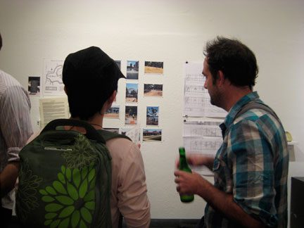 Taro Hattori and Scott Oliver discuss amongst themselves.