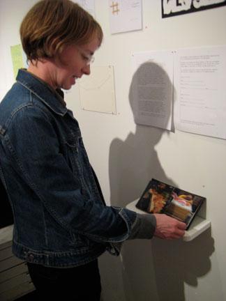 Naomi Vanderkindren -- vanderkindren.com -- browses MM Yu's Book of Sleep.