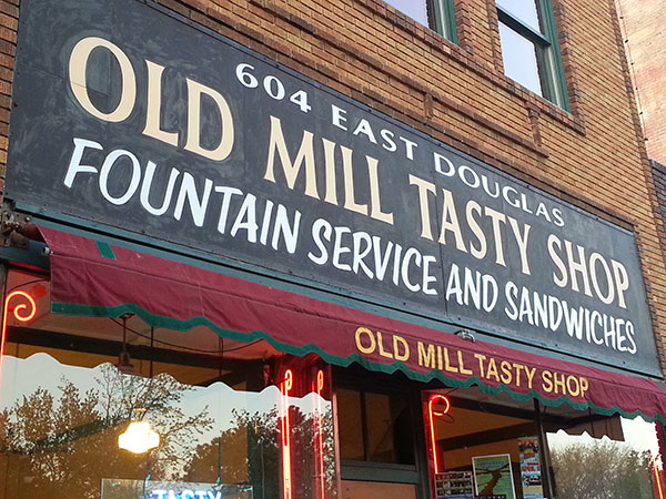 Old Mill Tasty Shop, Fountain service and sandwich